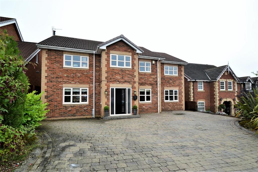 4 Bedrooms Detached House for sale in Seven Hills Court, Spennymoor