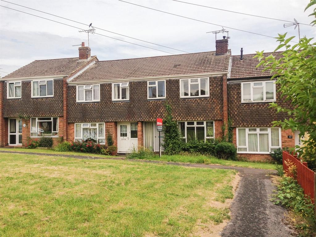 3 Bedrooms Terraced House for sale in Hall Road, Alton