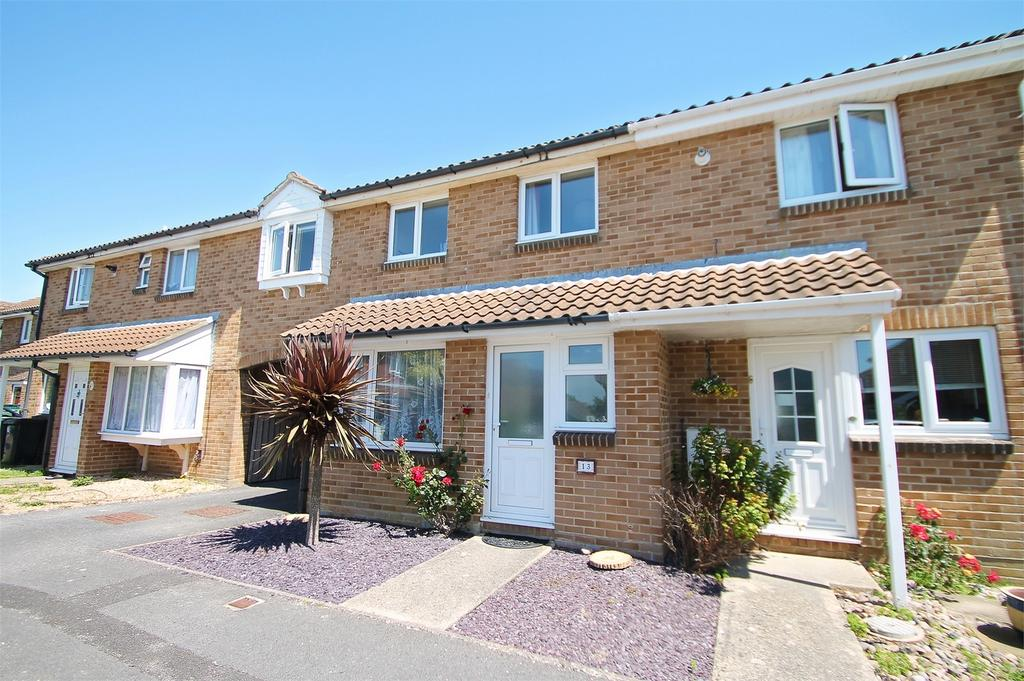 4 Bedrooms Terraced House for sale in Harrier Close, Lee-on-the-Solent, Hampshire