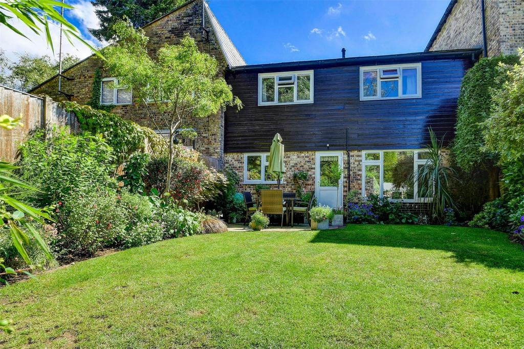 3 Bedrooms Terraced House for sale in Broom Squires, HINDHEAD, Surrey