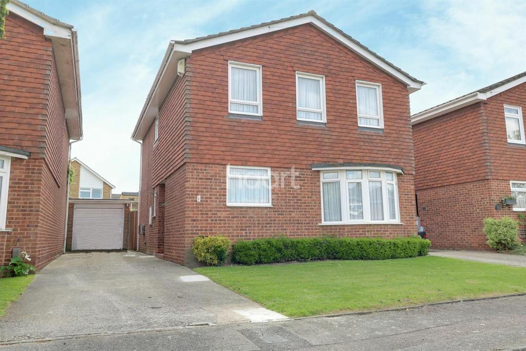 4 Bedrooms Detached House for sale in The Downage, Gravesend, DA11