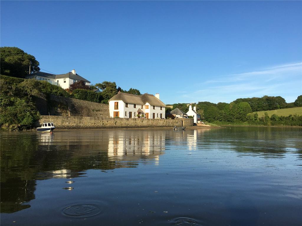 4 Bedrooms Detached House for sale in South Pool, Kingsbridge, Devon, TQ7