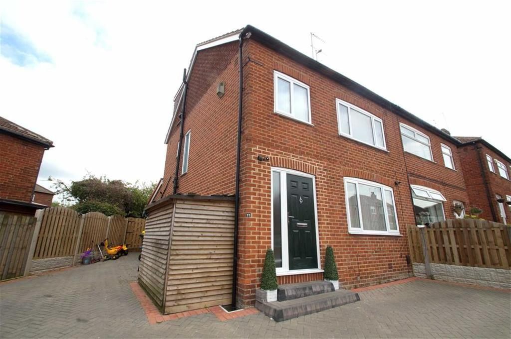 4 Bedrooms Semi Detached House for sale in Woodland Road, Leeds