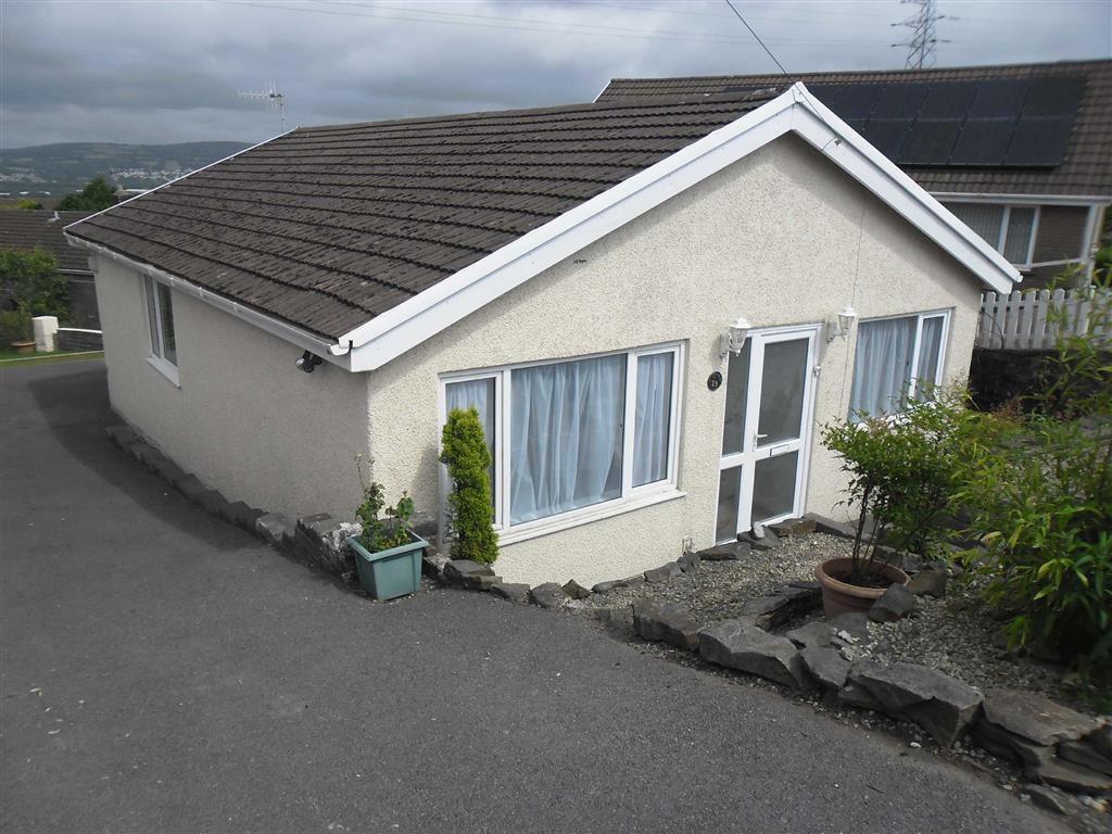 3 Bedrooms Detached Bungalow for sale in Heol Cae Glas, Llansamlet, Swansea