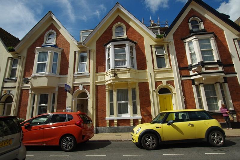 3 Bedrooms Terraced House for sale in Northumberland Place, Teignmouth