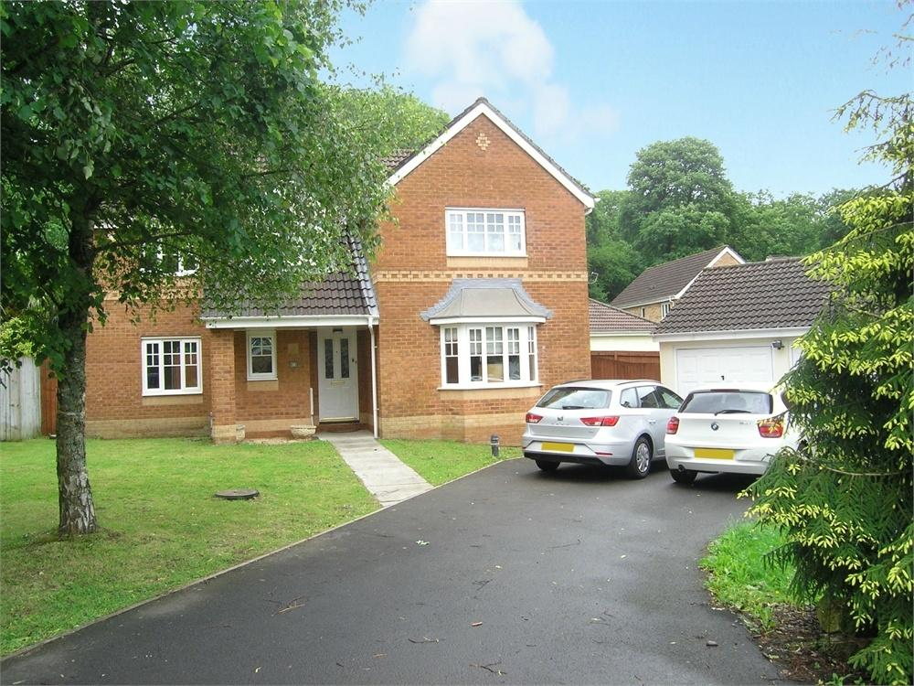 4 Bedrooms Detached House for sale in Woodruff Way, Thornhill, Cardiff