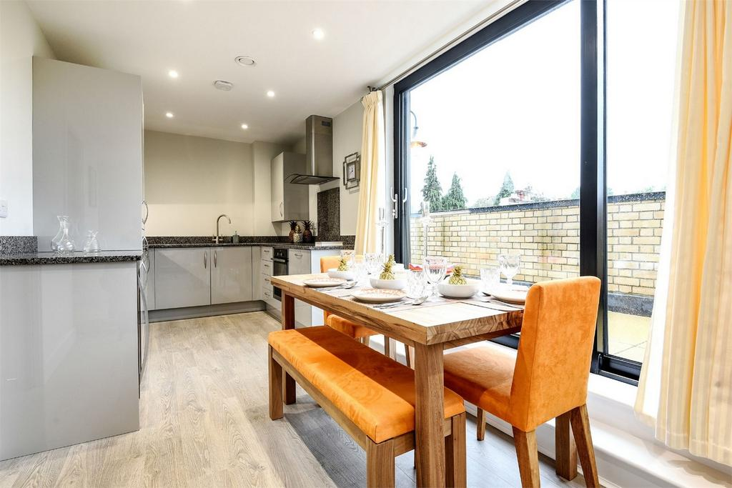 3 Bedrooms Flat for sale in Winchester, Hampshire