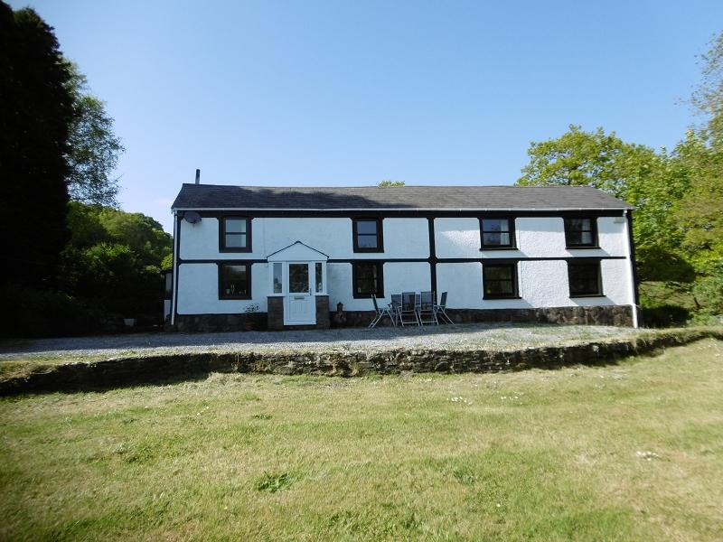 3 Bedrooms Detached House for sale in Cottage, 73 Graig Road, Trebanos, Swansea.
