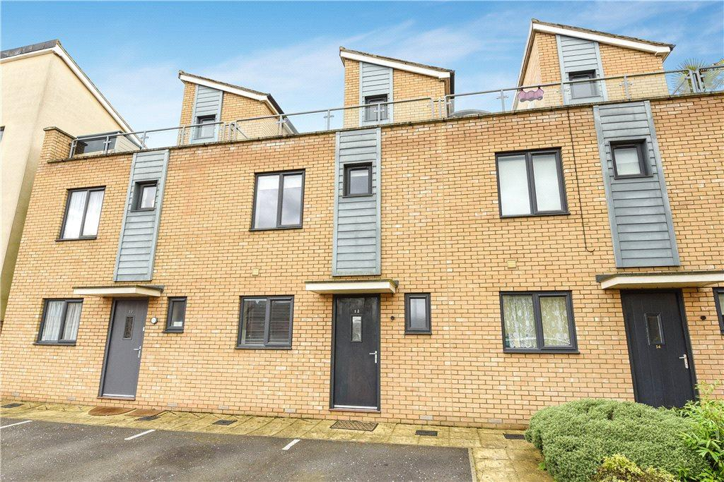 3 Bedrooms Terraced House for sale in Selkirk Drive, Oakridge Park, Milton Keynes, Buckinghamshire