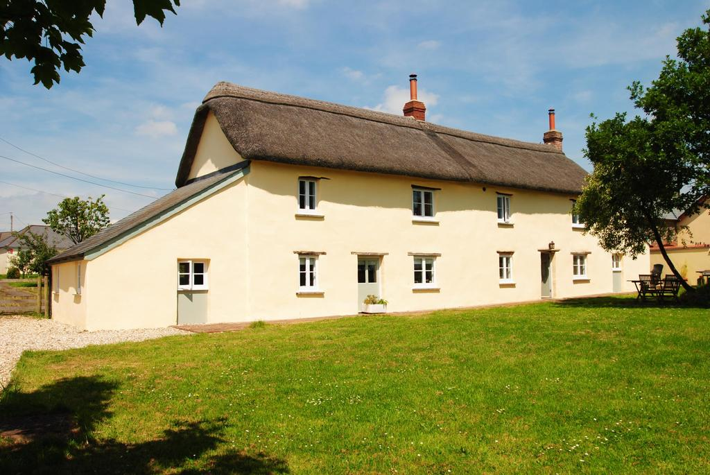 4 Bedrooms Detached House for sale in Ashreigney, Chulmleigh
