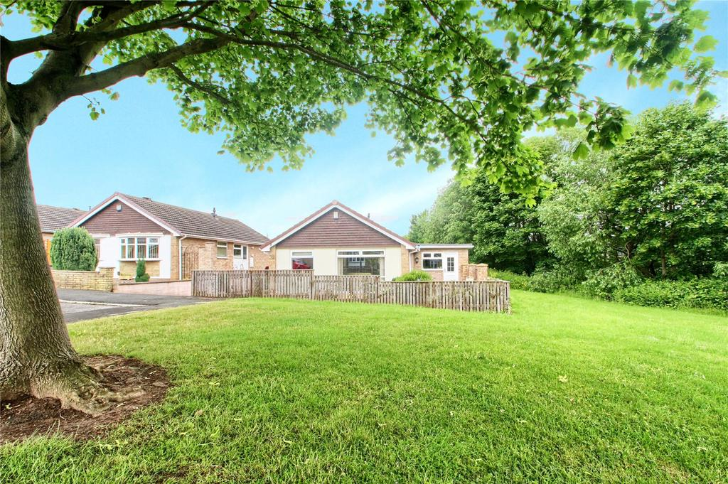 3 Bedrooms Detached Bungalow for sale in Aireborough Close, Whitehouse Farm