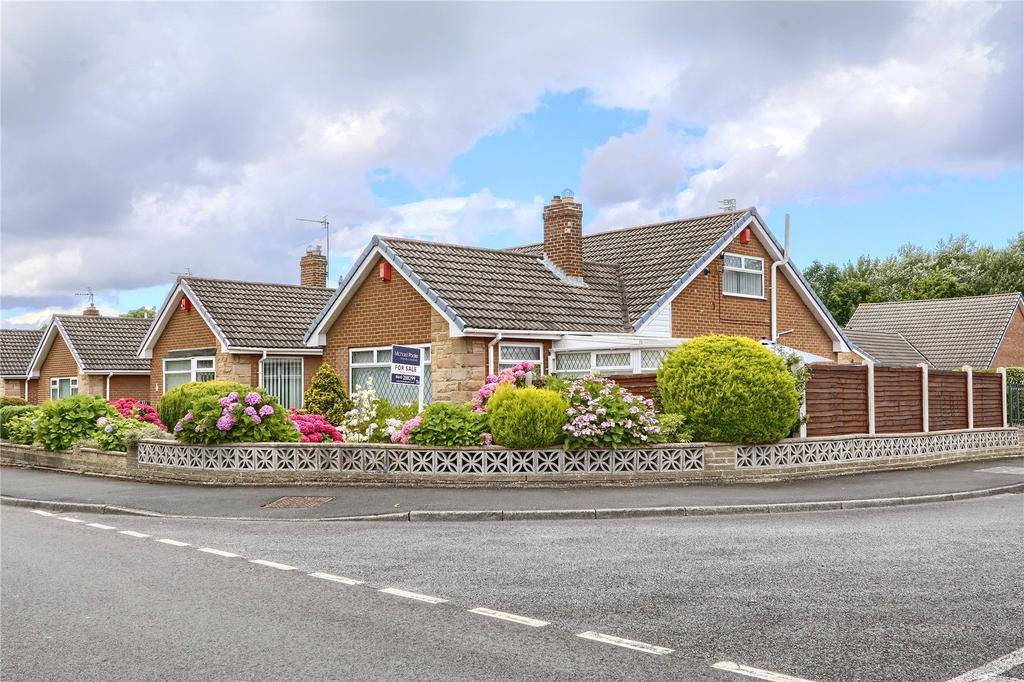 3 Bedrooms Semi Detached Bungalow for sale in Southdean Drive, Hemlington