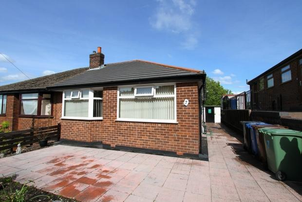 2 Bedrooms Semi Detached Bungalow for sale in Dryden Avenue Ashton In Makerfield Wigan