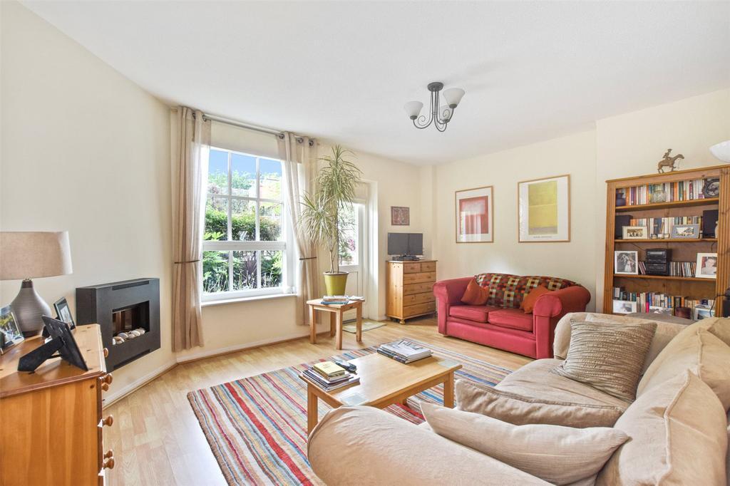 2 Bedrooms Flat for sale in Wilmot Street, London, E2