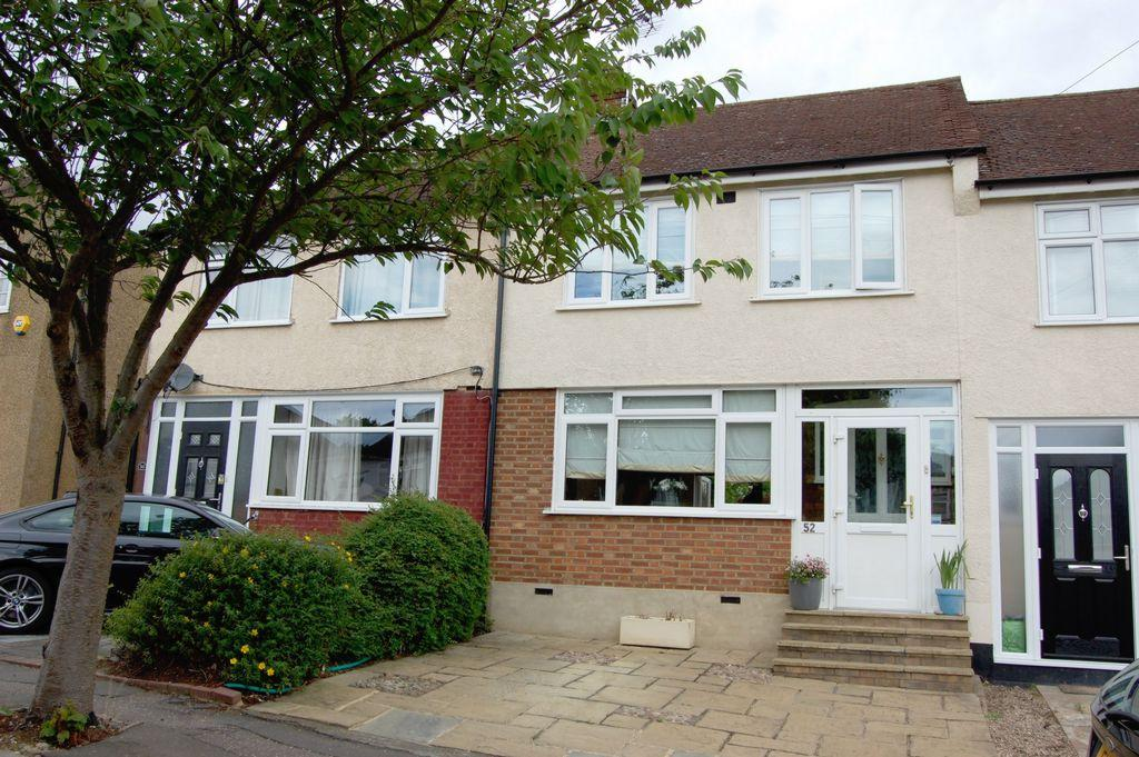 2 Bedrooms Terraced House for sale in River Way, Loughton, IG10