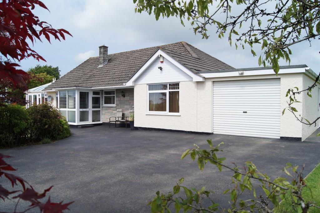 4 Bedrooms Detached Bungalow for sale in Yelverton