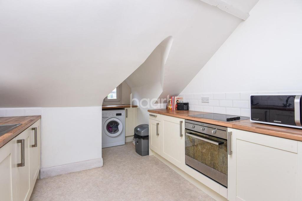 2 Bedrooms Flat for sale in Barrow Road, Streatham, SW16