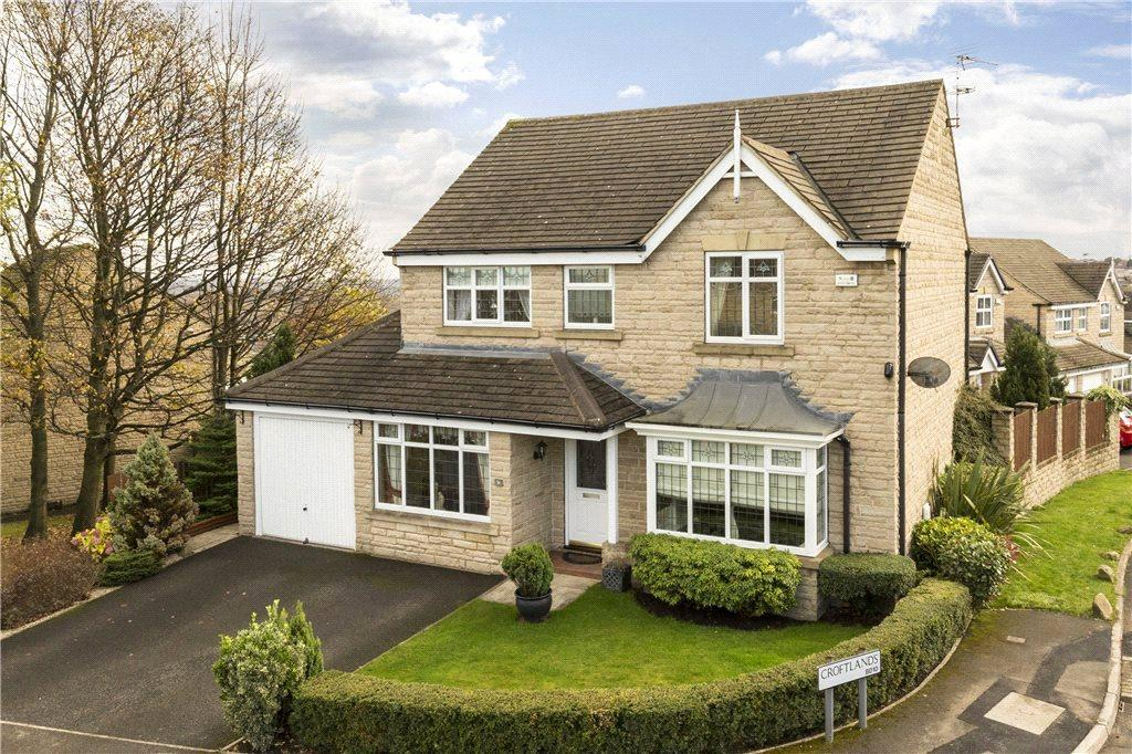 4 Bedrooms Detached House for sale in Croftlands, Bradford, West Yorkshire