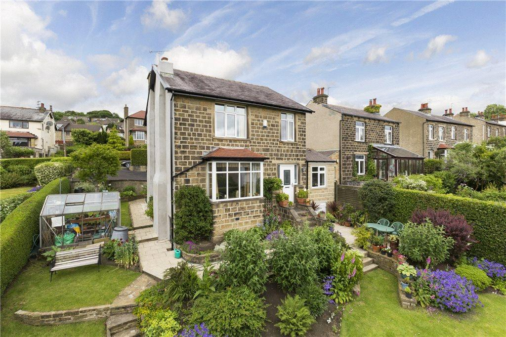 3 Bedrooms Detached House for sale in Hospital Road, Riddlesden, Keighley, West Yorkshire