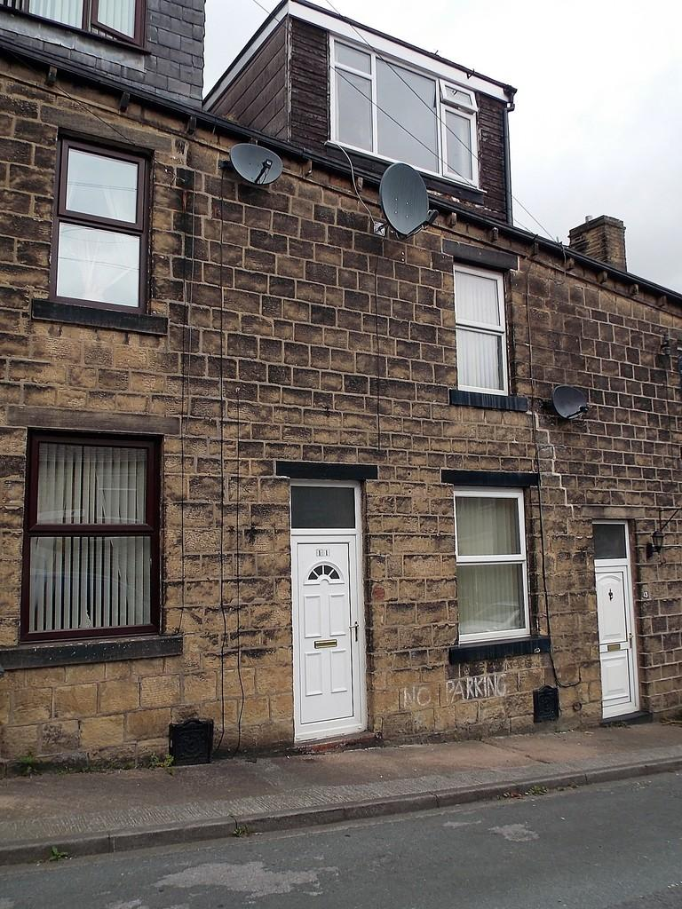 3 Bedrooms Terraced House for sale in Harris Street, Bingley