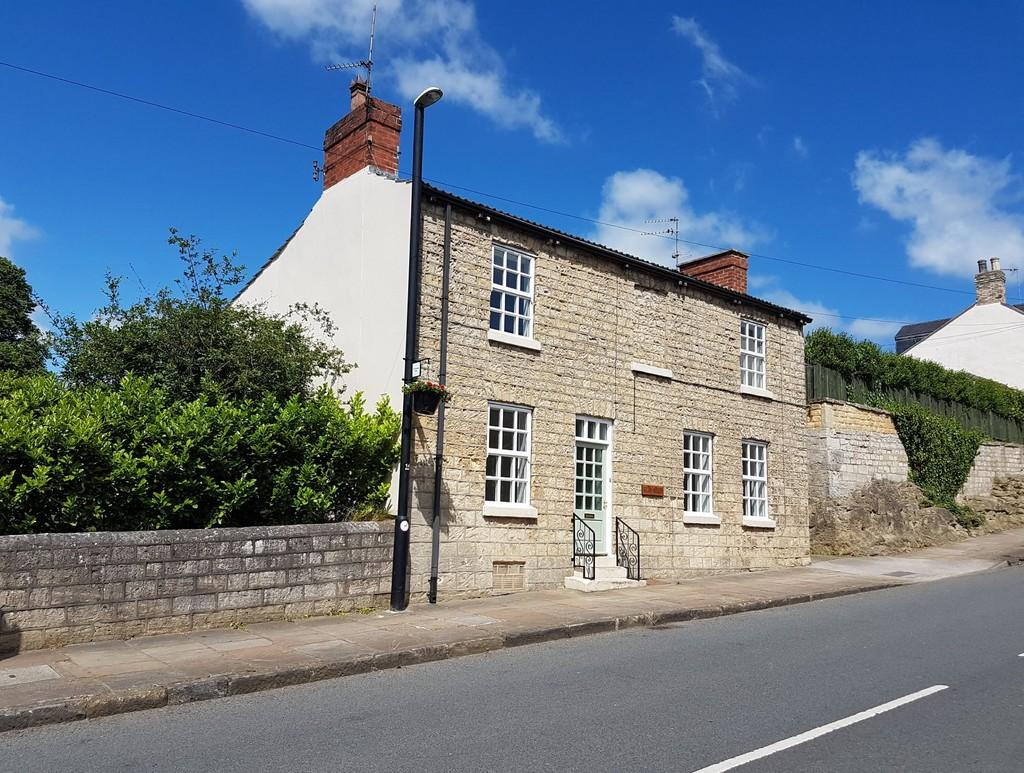 4 Bedrooms Cottage House for sale in Main Street South, Aberford, LS25