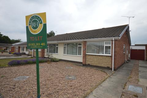 2 bedroom semi-detached bungalow to rent - Lindrick Close, Bessacarr, Doncaster