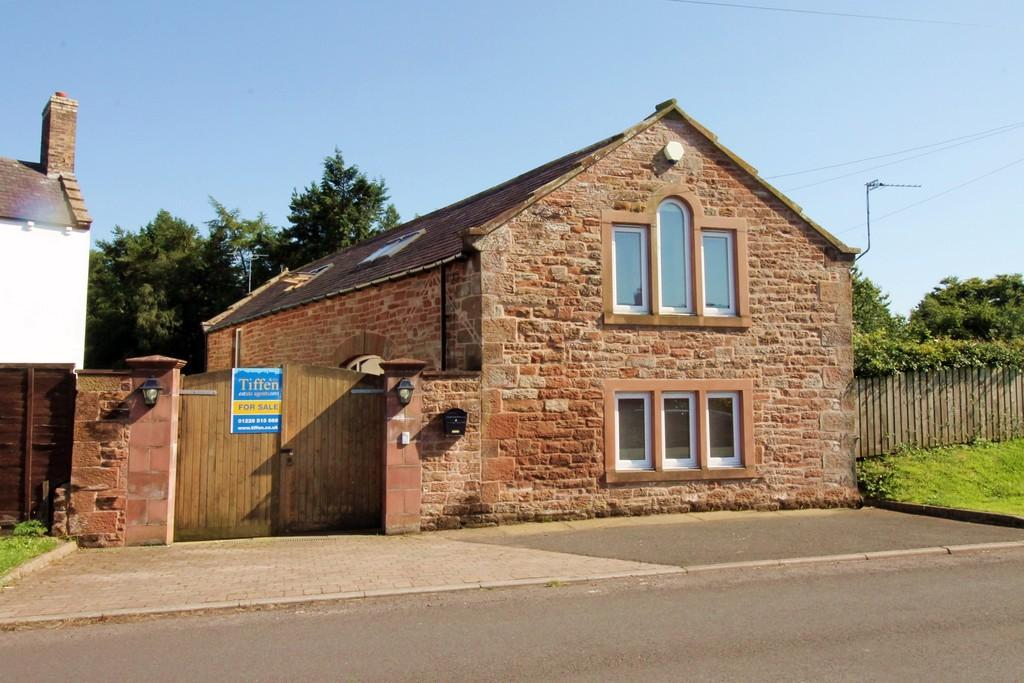 3 Bedrooms Barn Conversion Character Property for sale in The Coach House, Capon Tree Road, Brampton