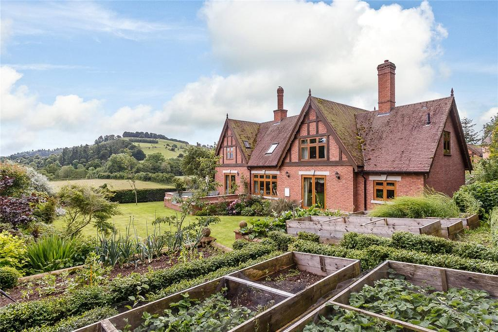 4 Bedrooms Detached House for sale in Bucknell, Shropshire