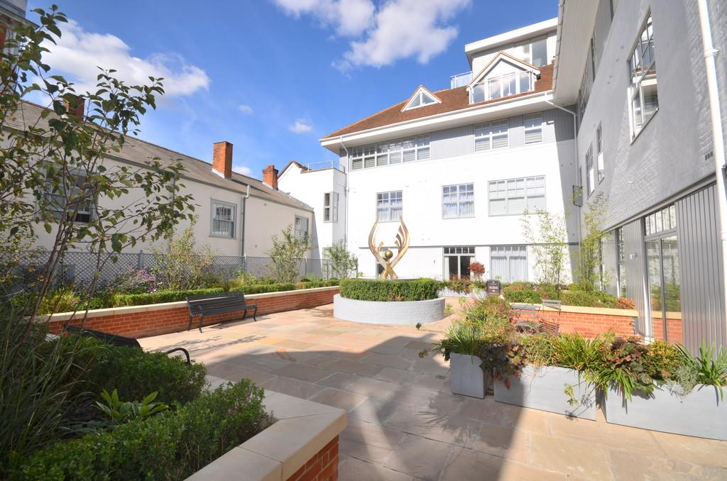 2 Bedrooms Apartment Flat for sale in High Street, Colchester