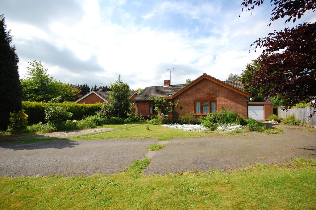 3 Bedrooms Detached Bungalow for sale in Station Road, Thursford