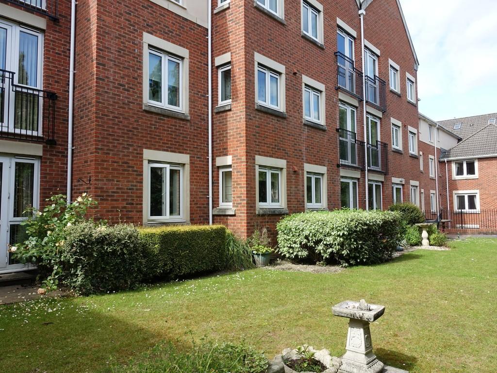 2 Bedrooms Apartment Flat for sale in Trowbridge, Wiltshire