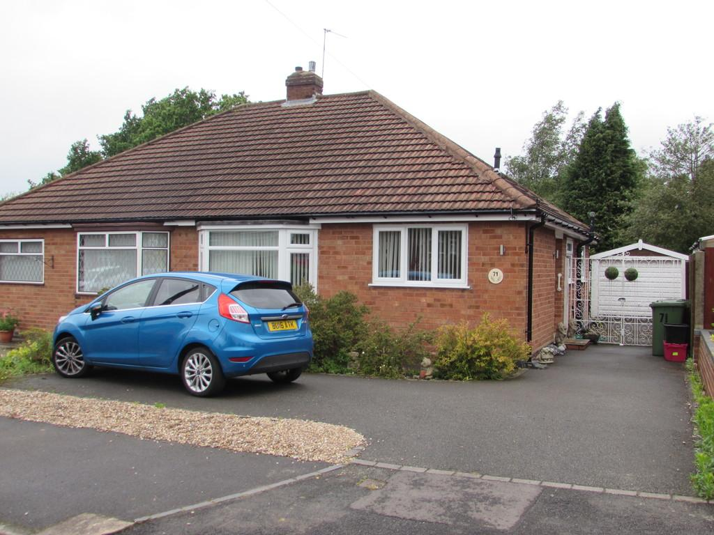 2 Bedrooms Semi Detached Bungalow for sale in Coton Grove, Shirley