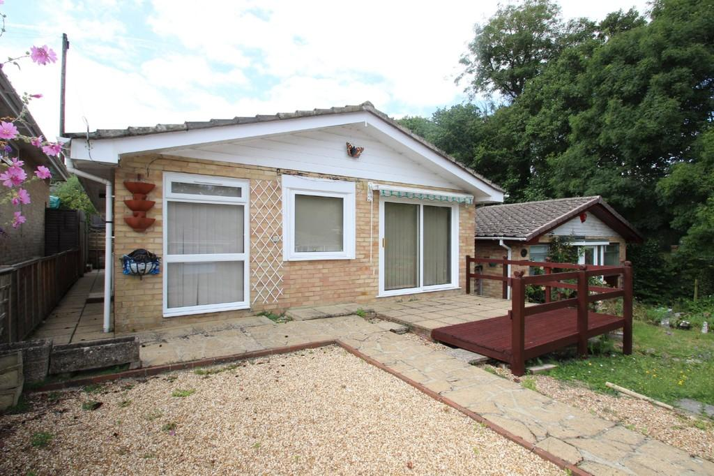 2 Bedrooms Terraced Bungalow for sale in St. Edmunds Walk, Ryde, Isle Of Wight