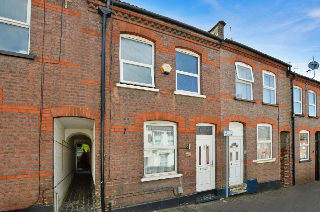 2 Bedrooms Terraced House for sale in Hartley Road, High Town, Luton, LU2 0HY
