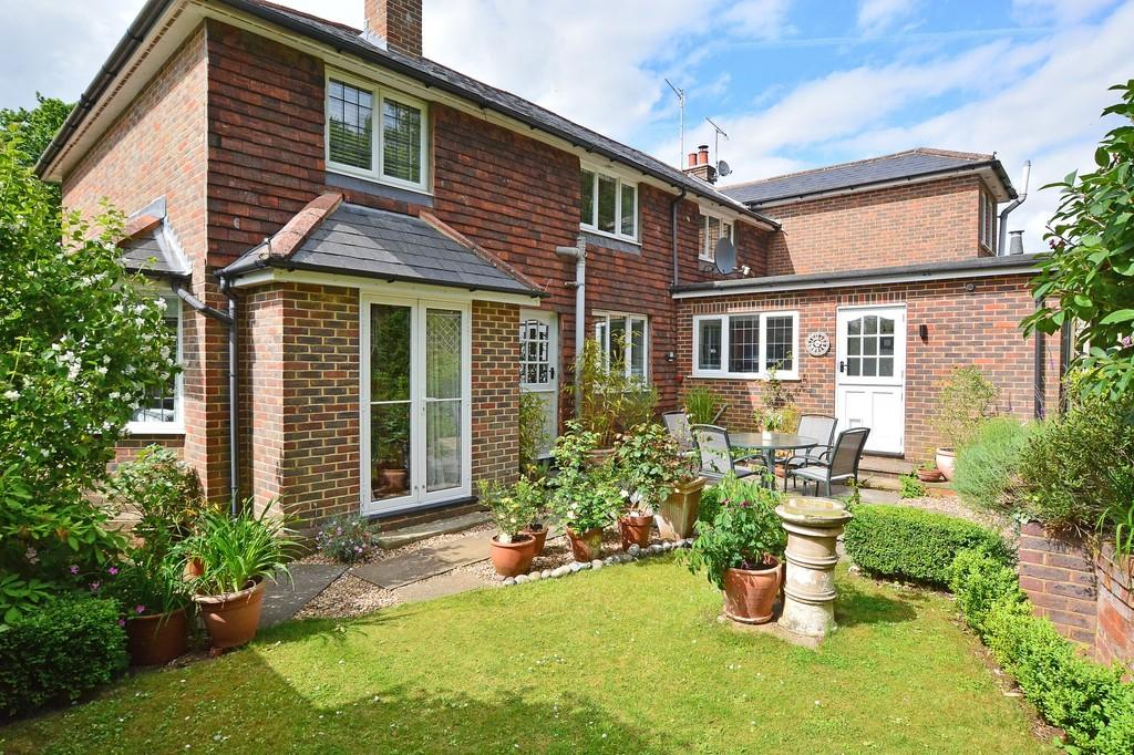 4 Bedrooms Semi Detached House for sale in Blackheath Lane, Blackheath
