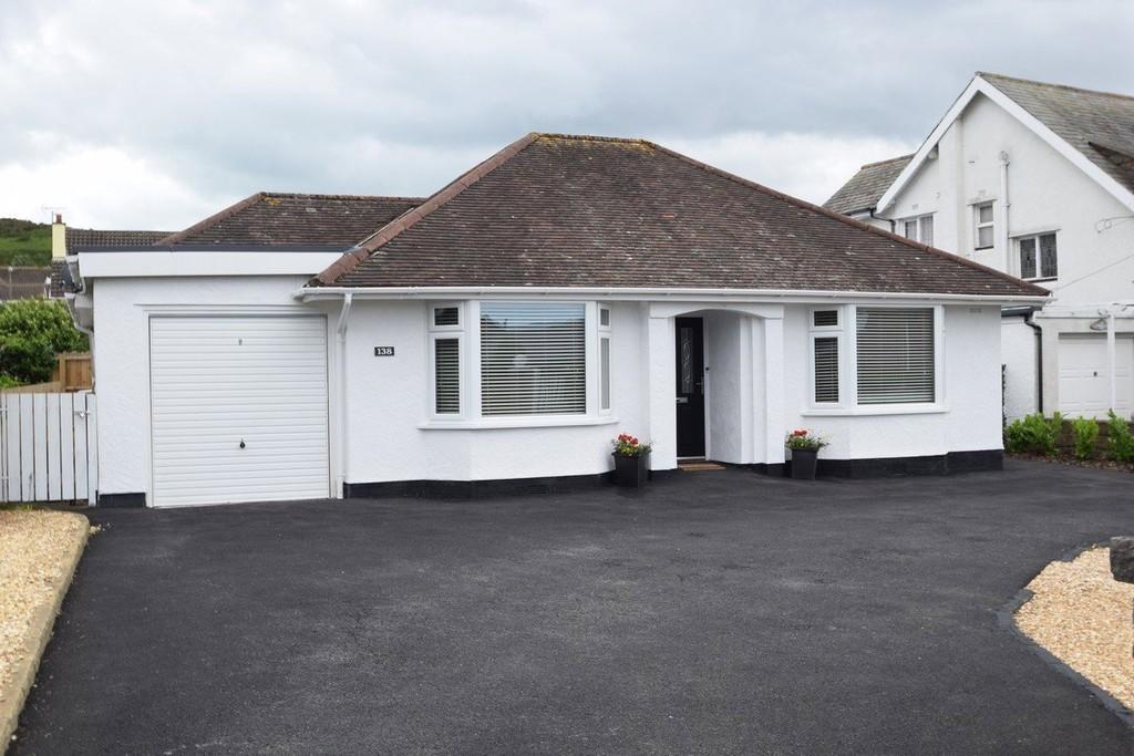 2 Bedrooms Detached Bungalow for sale in Deganwy Road, Llanrhos