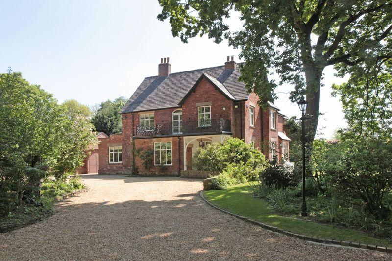 6 Bedrooms Detached House for sale in Swettenham Village, Swettenham