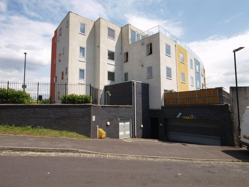2 Bedrooms Apartment Flat for sale in 152 Lawrence Hill, Bristol