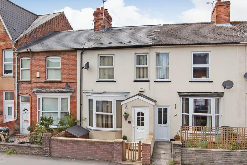 4 Bedrooms Terraced House for sale in Cheddon Road, Taunton