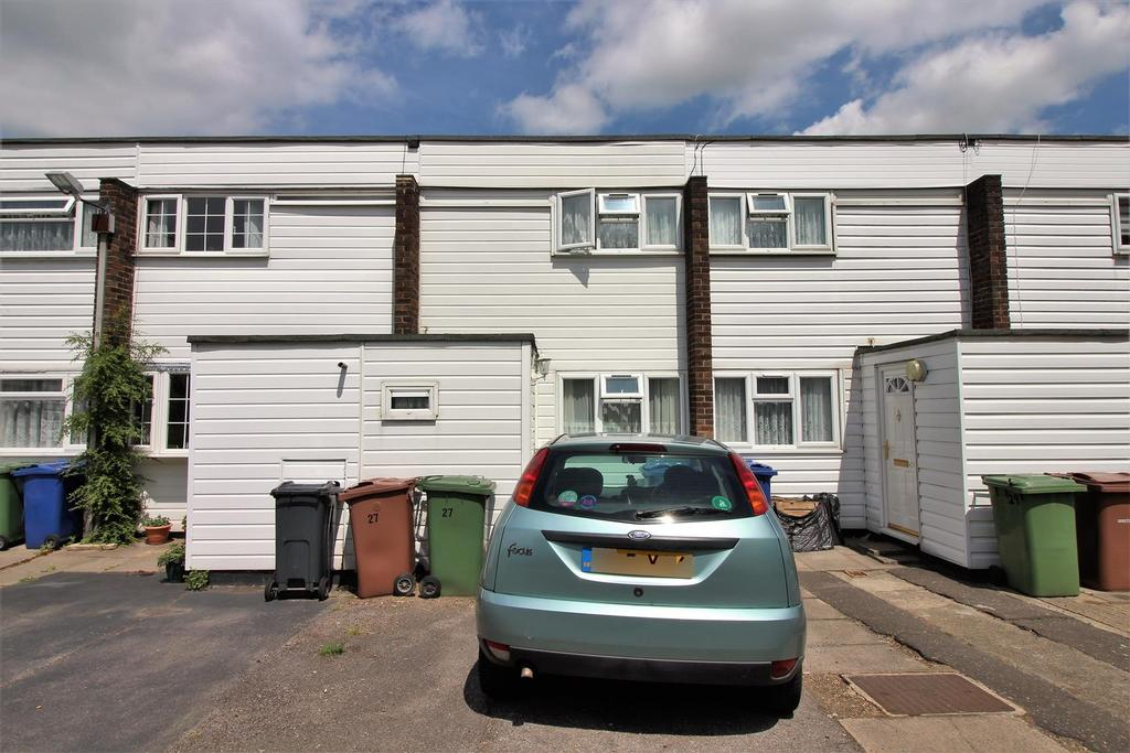 2 Bedrooms Terraced House for sale in St. Peters Road, Chadwell St Mary, Grays