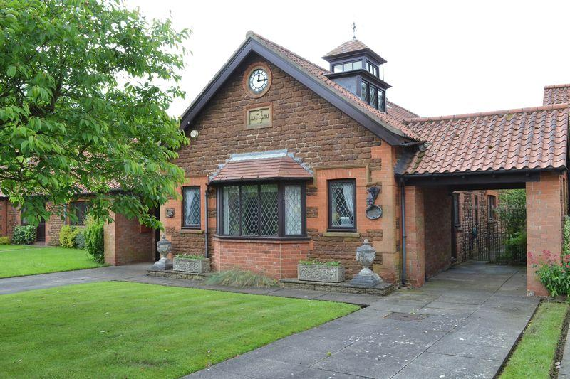3 Bedrooms Detached House for sale in Old Estate Yard, Normanby