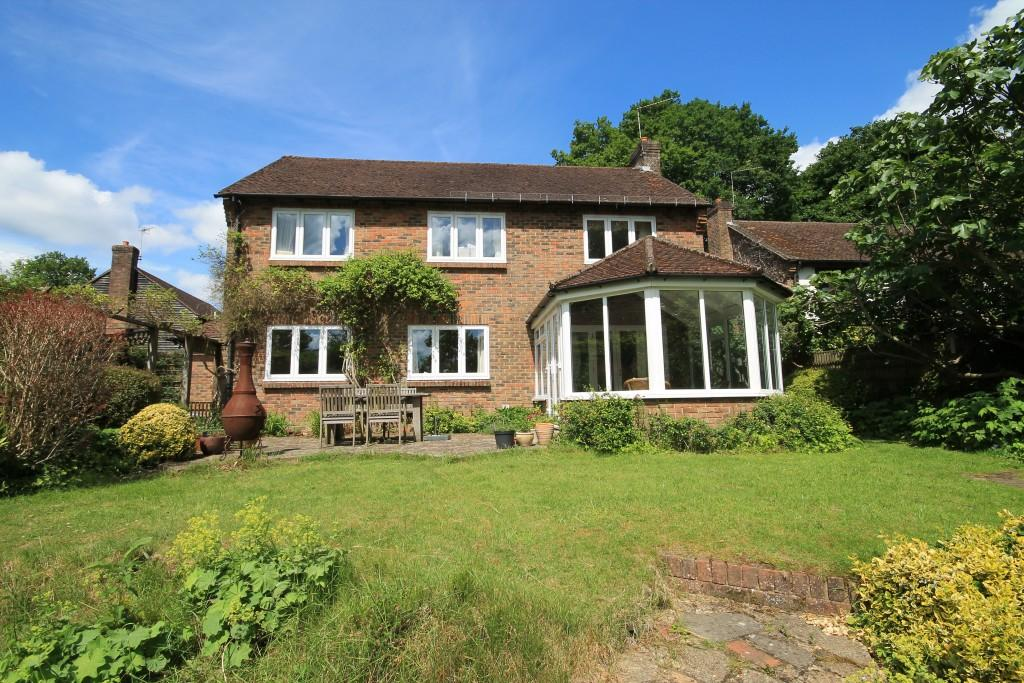 4 Bedrooms Detached House for sale in Headley Down, Headley Down