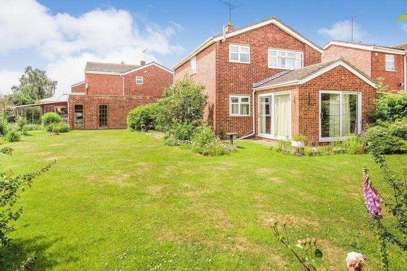 3 Bedrooms Detached House for sale in Fallowfield, Ampthill