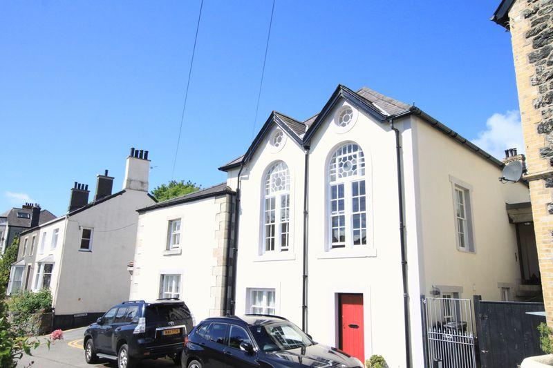 4 Bedrooms Detached House for sale in Beach Road, Menai Bridge