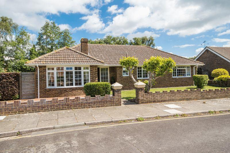 3 Bedrooms Bungalow for sale in Canterbury