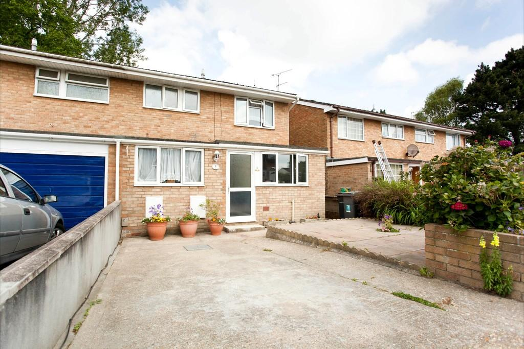 3 Bedrooms Semi Detached House for sale in Bexington Close, BH11