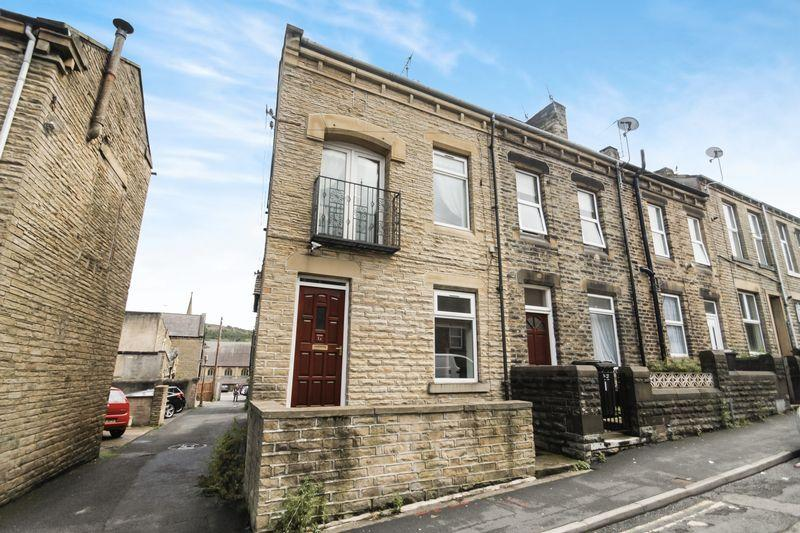 3 Bedrooms Terraced House for sale in Elizabeth Street, Elland