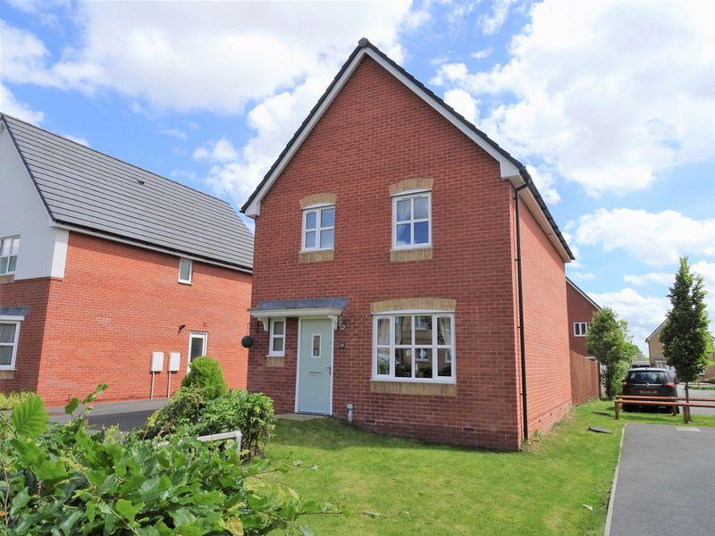3 Bedrooms Detached House for sale in Whitehead Drive, Wrexham