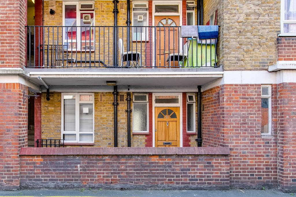 1 Bedroom Flat for sale in Burne Jones House, North End Road, London