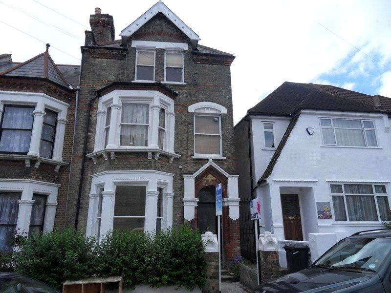 1 Bedroom Flat for sale in Craster Road, London, SW2